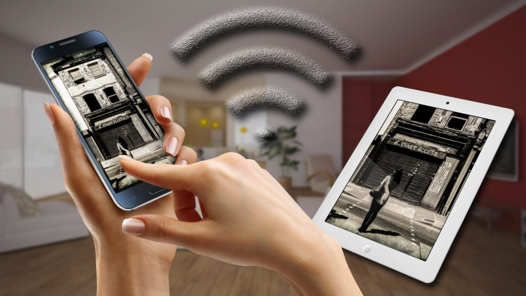 tablettes et smartphone en wifi